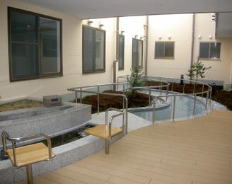 野外足浴・歩行浴コーナー
